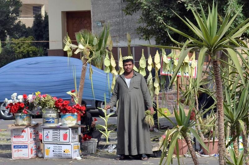 rameaux-egypte-selling-palm-elraheb
