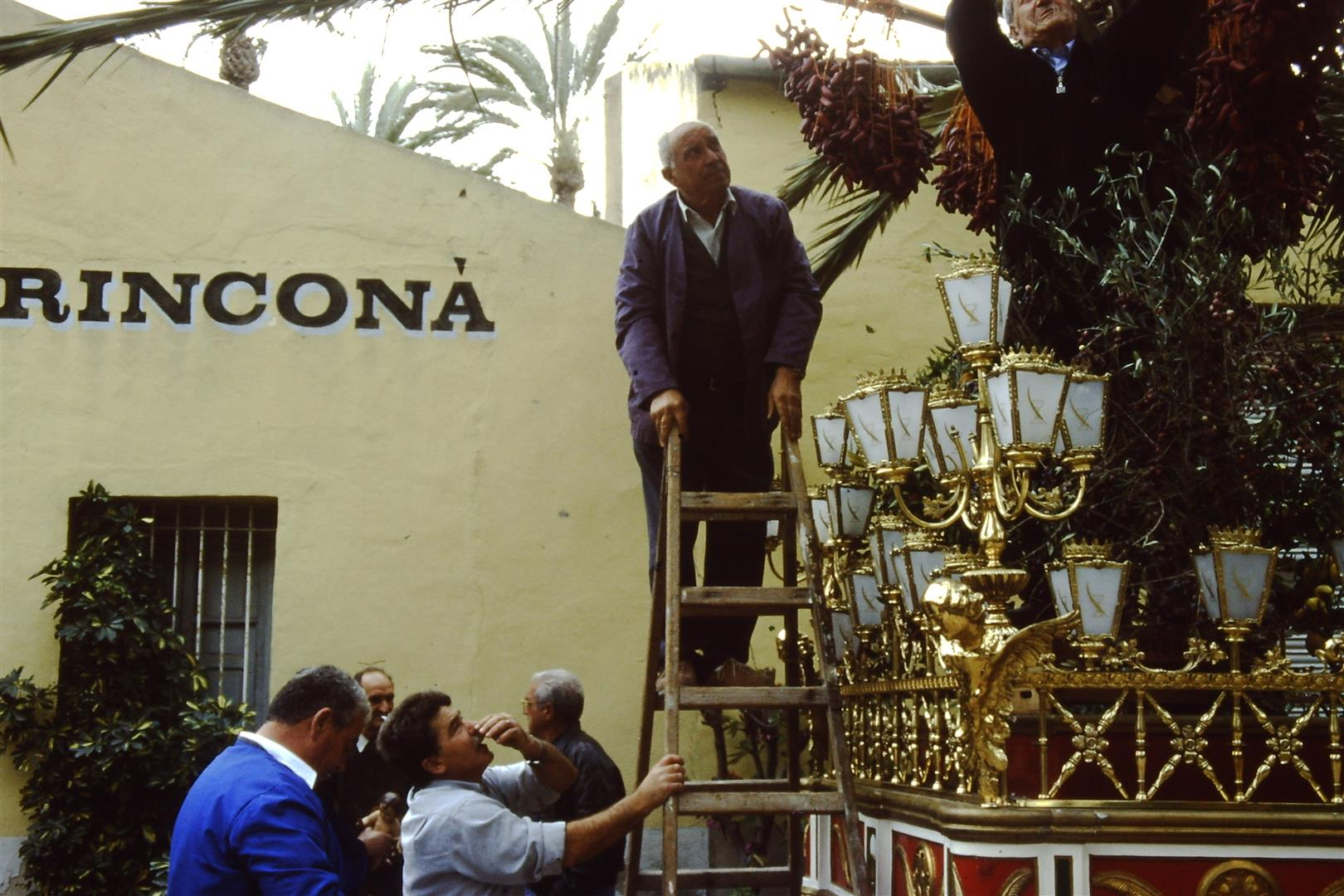 palmsunday-office-elche-procession-3